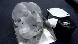 Diamant de 910 carate